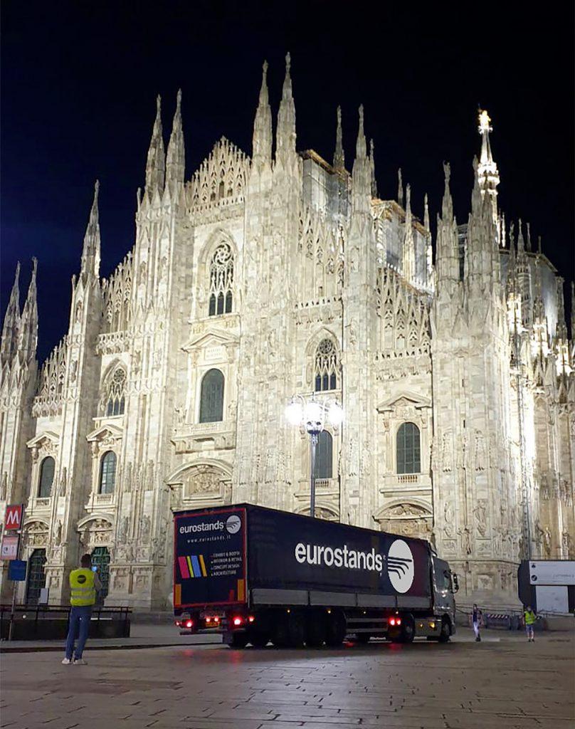 Allestimento green Eurostands Milano Monza Motor Show_fronte duomo