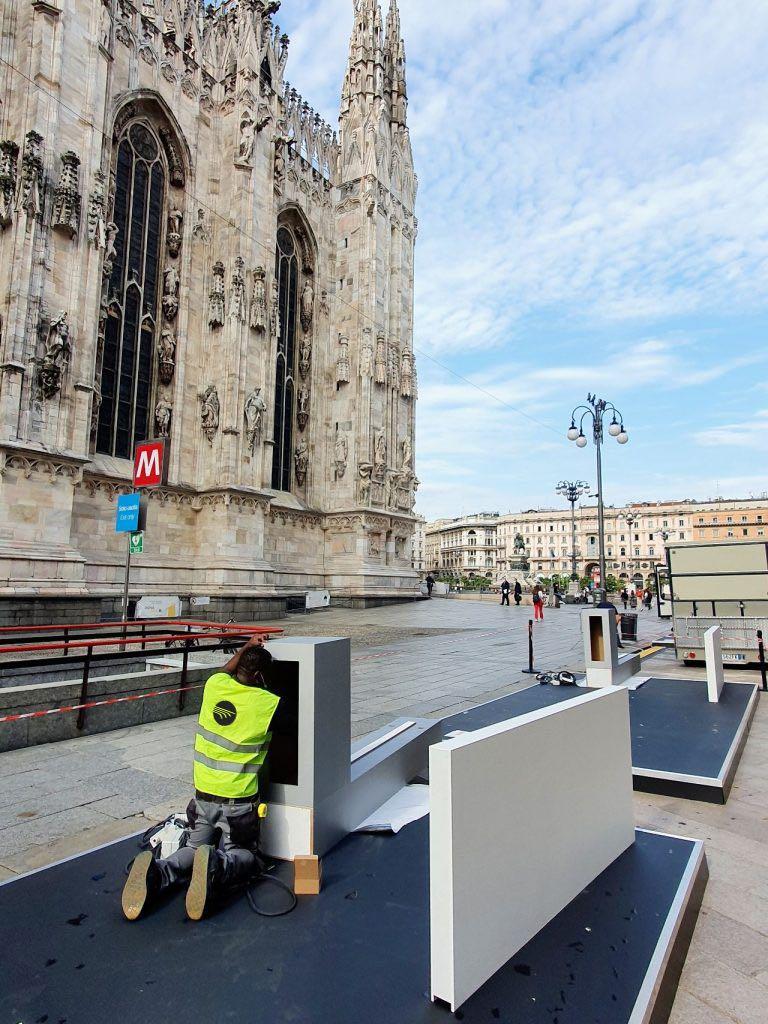 Fase-Allestimento-green-Eurostands-Milano-Monza-Motor-Show_duomo